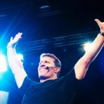 Tony Robbins Ensina Como Aumentar Vendas no Marketing Multinível